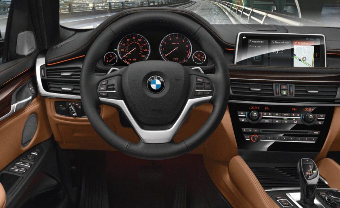 2018 BMW X6 interior