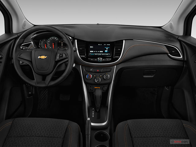 2018 chevy trax interior